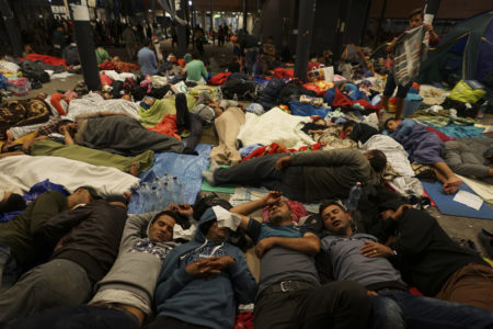 Christian Groups Receiving $1 Billion From Feds for Syrian Refugees